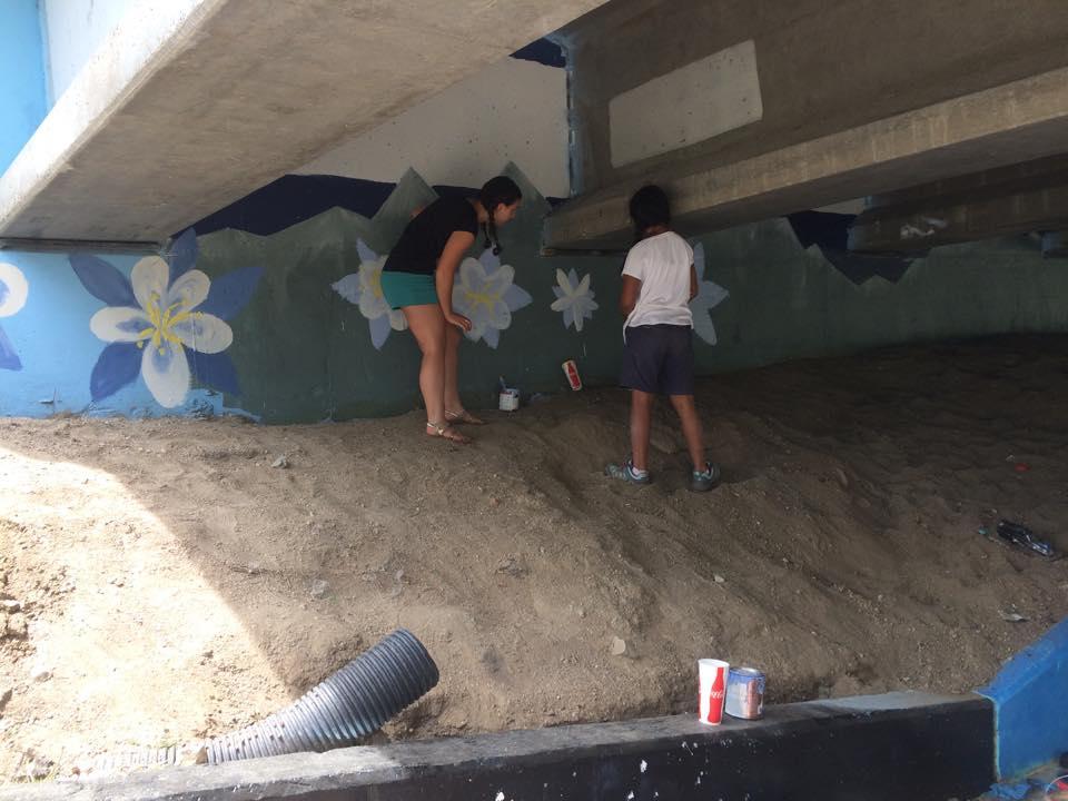 mural_columbines3